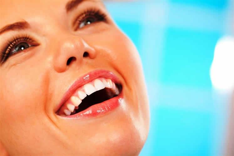 alimentos que ayudan a mantener tus dientes saludables